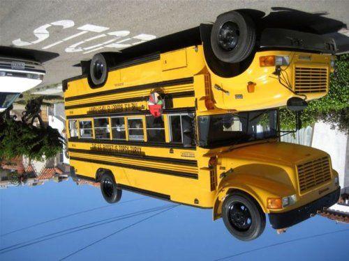 Необычный двухэтажный автобус - фото 5