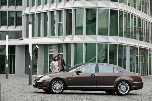 Гараж InfoCar: 2010 Mercedes-Benz S600 - фото 1