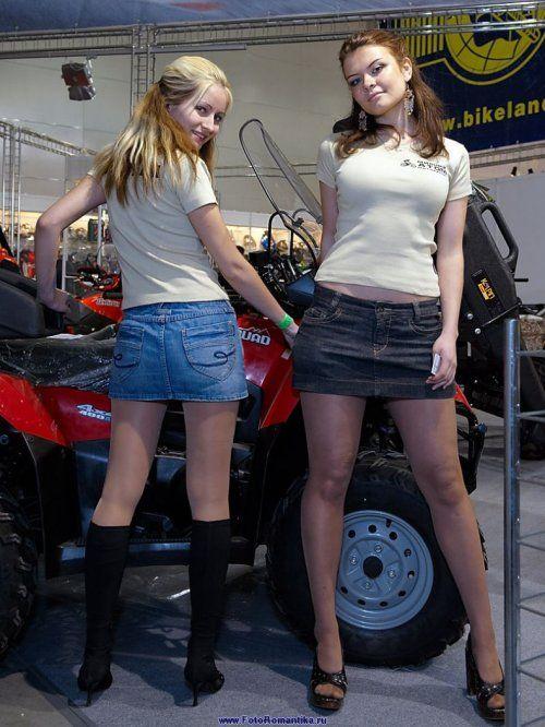 Девушки с выставки Мотор-парк 2009 - фото 31