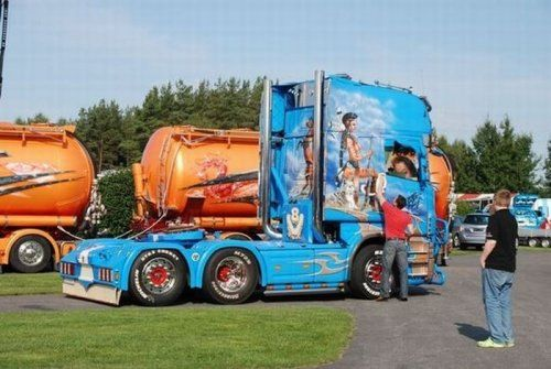 Потрясающее финское шоу грузовиков 2009 - фото 21