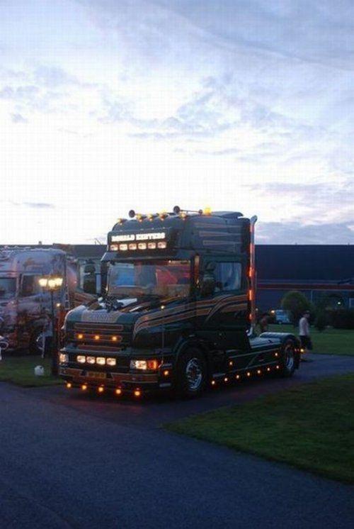 Потрясающее финское шоу грузовиков 2009 - фото 20