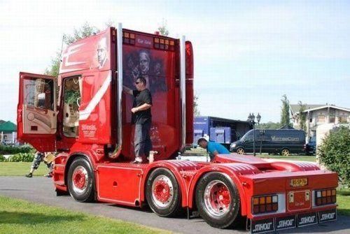 Потрясающее финское шоу грузовиков 2009 - фото 3