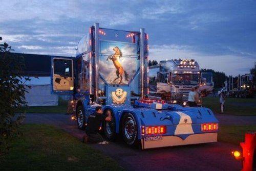 Потрясающее финское шоу грузовиков 2009 - фото 14