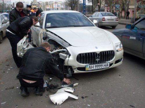 Картина маслом по-донецки: Maserati с 9999 протаранила ВАЗ 21099! - фото 4