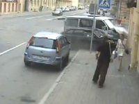 "Девушка на перекрестке ""убежала"" от смерти - фото 1"