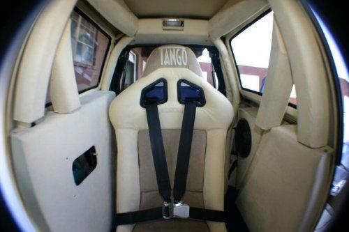 Супербыстрый электромобиль Tango T600 - фото 7