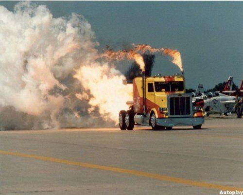 Shockwave Jet Truck- экстремальный грузовик, развивающий 612 км/ч - фото 7