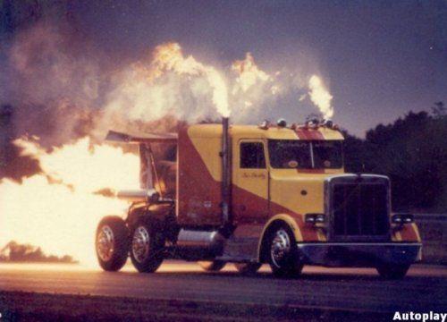 Shockwave Jet Truck- экстремальный грузовик, развивающий 612 км/ч - фото 4