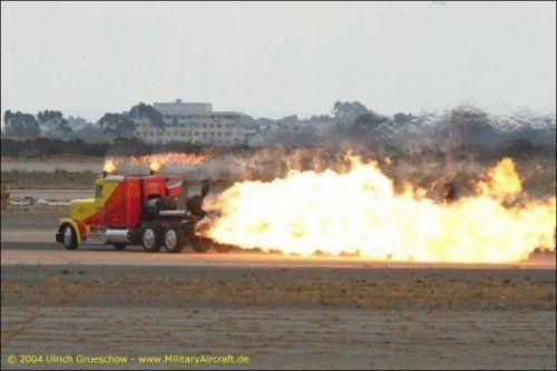 Shockwave Jet Truck- экстремальный грузовик, развивающий 612 км/ч - фото 10