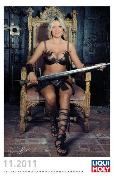 Liqui Moly выпустил эротический календарь на 2011 год - фото 7
