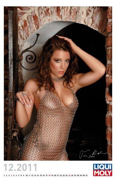 Liqui Moly выпустил эротический календарь на 2011 год - фото 4