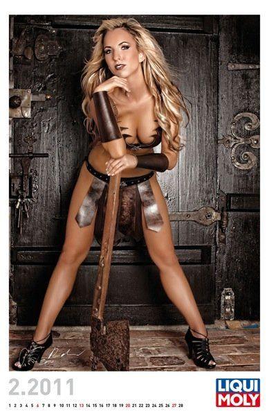 Liqui Moly выпустил эротический календарь на 2011 год - фото 2