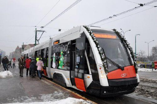Автобус превратили в трамвай - фото 1
