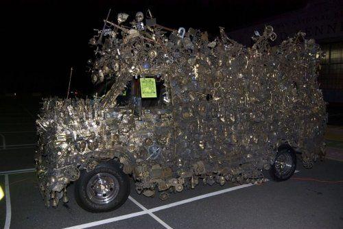 Микроавтобус из латуни оценили в 350000$ - фото 11
