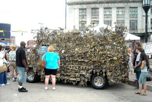 Микроавтобус из латуни оценили в 350000$ - фото 10