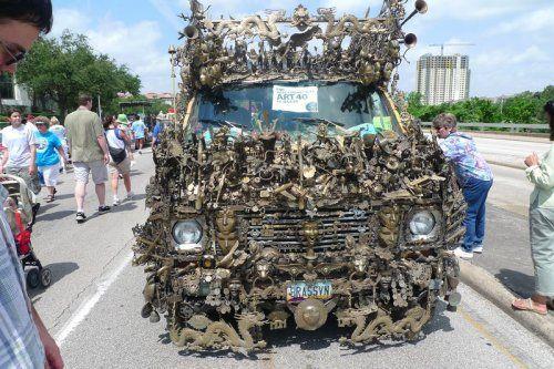 Микроавтобус из латуни оценили в 350000$ - фото 7
