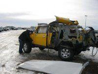 Последствия взрыва баллона с ацетиленом внутри Toyota FJ Cruiser - фото 1