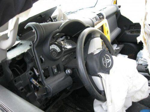 Последствия взрыва баллона с ацетиленом внутри Toyota FJ Cruiser - фото 8