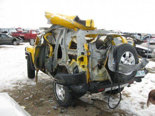 Последствия взрыва баллона с ацетиленом внутри Toyota FJ Cruiser - фото 7