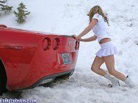 Зима, девушки и автомобили - вещи несовместимы?! - фото 29