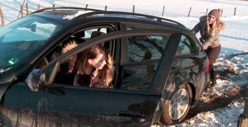 Зима, девушки и автомобили - вещи несовместимы?! - фото 24