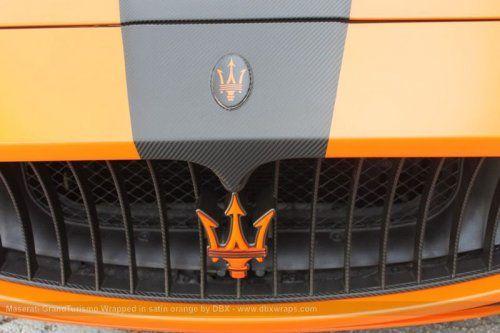 Maserati GranTurismo S затянули в оранжевую пленку в DBX - фото 11