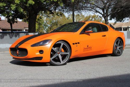 Maserati GranTurismo S затянули в оранжевую пленку в DBX - фото 15