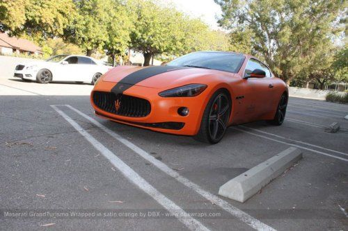 Maserati GranTurismo S затянули в оранжевую пленку в DBX - фото 28