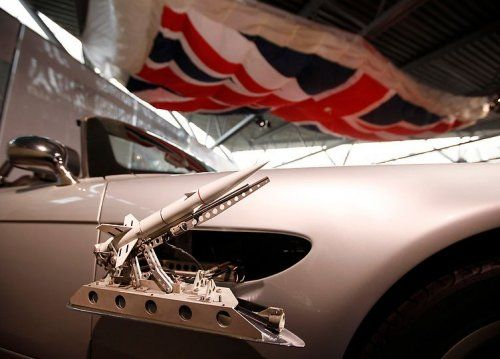 В Великобритании открылся музей автомобилей Джеймса Бонда - фото 4