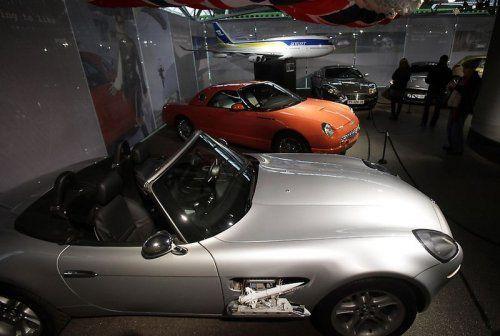 В Великобритании открылся музей автомобилей Джеймса Бонда - фото 27