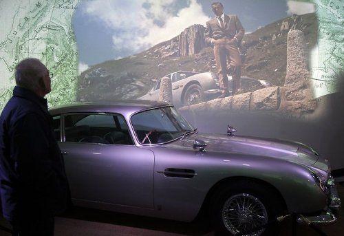 В Великобритании открылся музей автомобилей Джеймса Бонда - фото 3