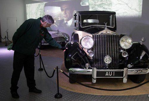 В Великобритании открылся музей автомобилей Джеймса Бонда - фото 17