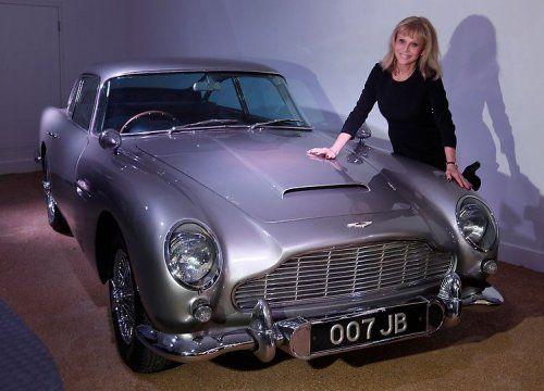 В Великобритании открылся музей автомобилей Джеймса Бонда - фото 7