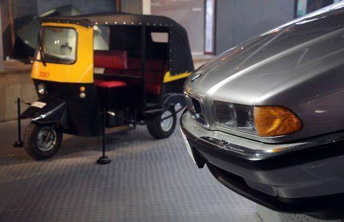 В Великобритании открылся музей автомобилей Джеймса Бонда - фото 16