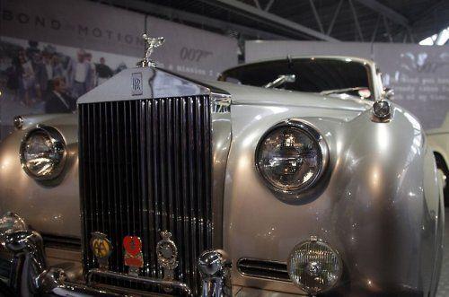 В Великобритании открылся музей автомобилей Джеймса Бонда - фото 8