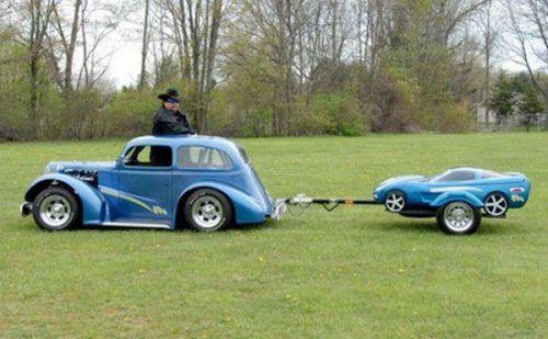 Необычные прицепы в виде автомобилей - фото 9