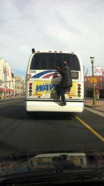 Подборка неудачников и смешных ситуаций на дороге - фото 4