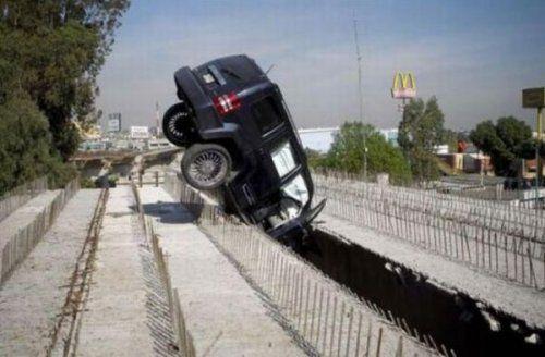Подборка неудачников и смешных ситуаций на дороге - фото 40