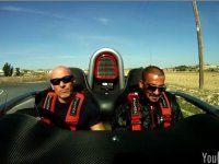 Можно ли покушать в открытом спорткаре на скорости? - фото 1