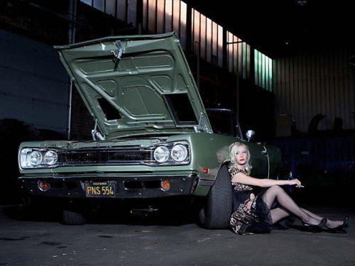 Немецкая авто-эротика с американской классикой - фото 6