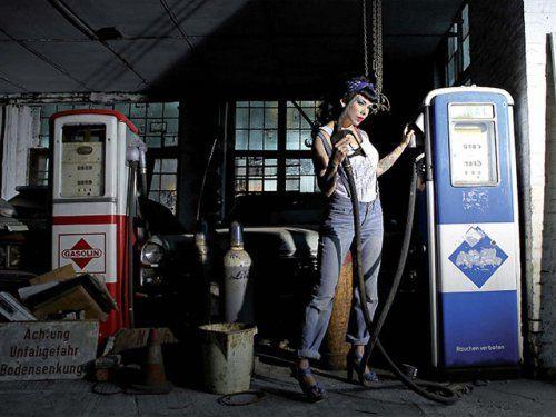 Немецкая авто-эротика с американской классикой - фото 24