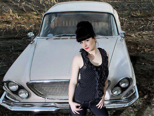 Немецкая авто-эротика с американской классикой - фото 1