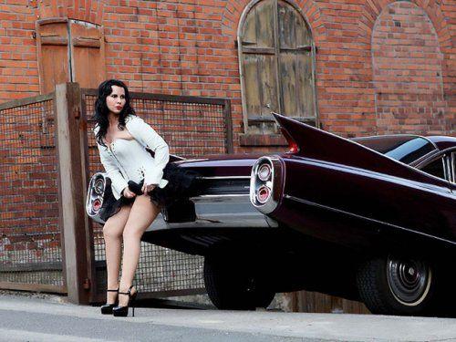 Немецкая авто-эротика с американской классикой - фото 21