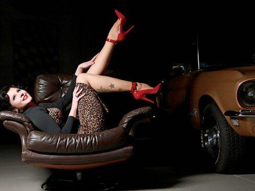 Немецкая авто-эротика с американской классикой - фото 2