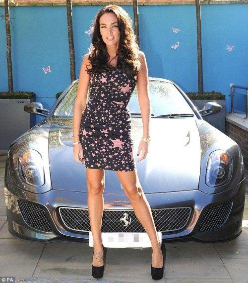 Дочь хозяина Формулы 1 снялась в фотосессии с Ferrari - фото 3