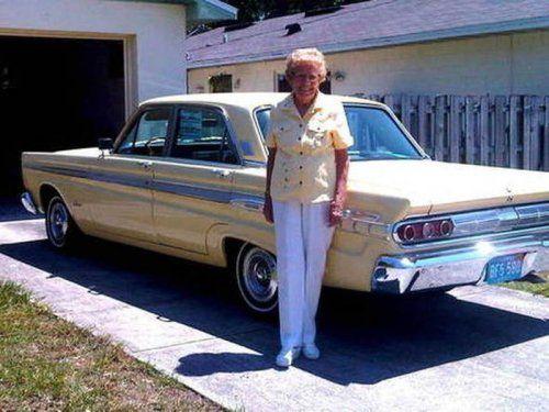 Бабуля проехала на машине почти миллион километров! - фото 3