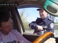 Англоговорящий ДАИШНИК Ukrainian cop speak English WTF Euro2012 ? - фото 1