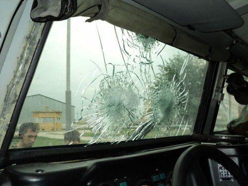 Обстрелянный в Чечне военный автомобиль Тигр - фото 2