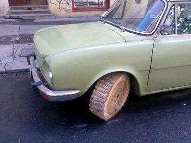 Skoda Capri 205 с ... деревянными колёсами - фото 4