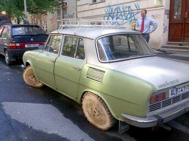 Skoda Capri 205 с ... деревянными колёсами - фото 3